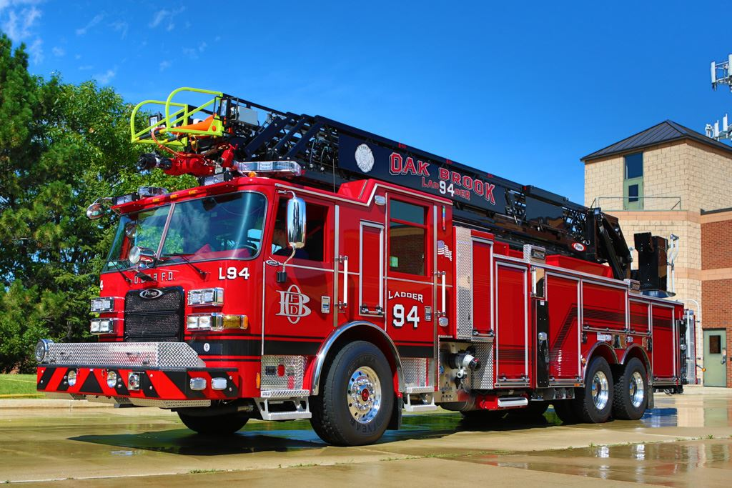 2014 Pierce Arrow XT 105 Foot Aerial Ladder Truck